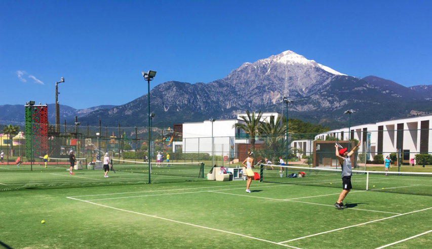tenniselaagrid.png